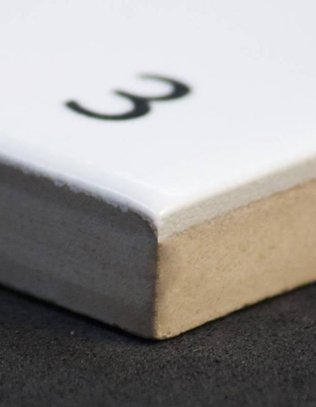 Scrabble-Fliese Buchstabe B 10 × 10 cm - LE0804002