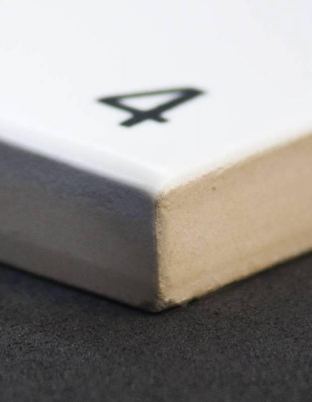 Scrabble-Fliese Buchstabe W 10 × 10 cm - LE0804023